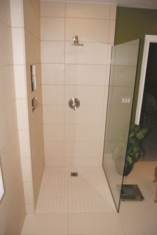 Completed barrier-free shower installation. Image courtesy of Fin-Pan.